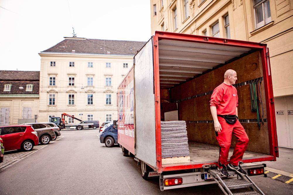 Übersiedlung Wien - Lkw Ausrüstung